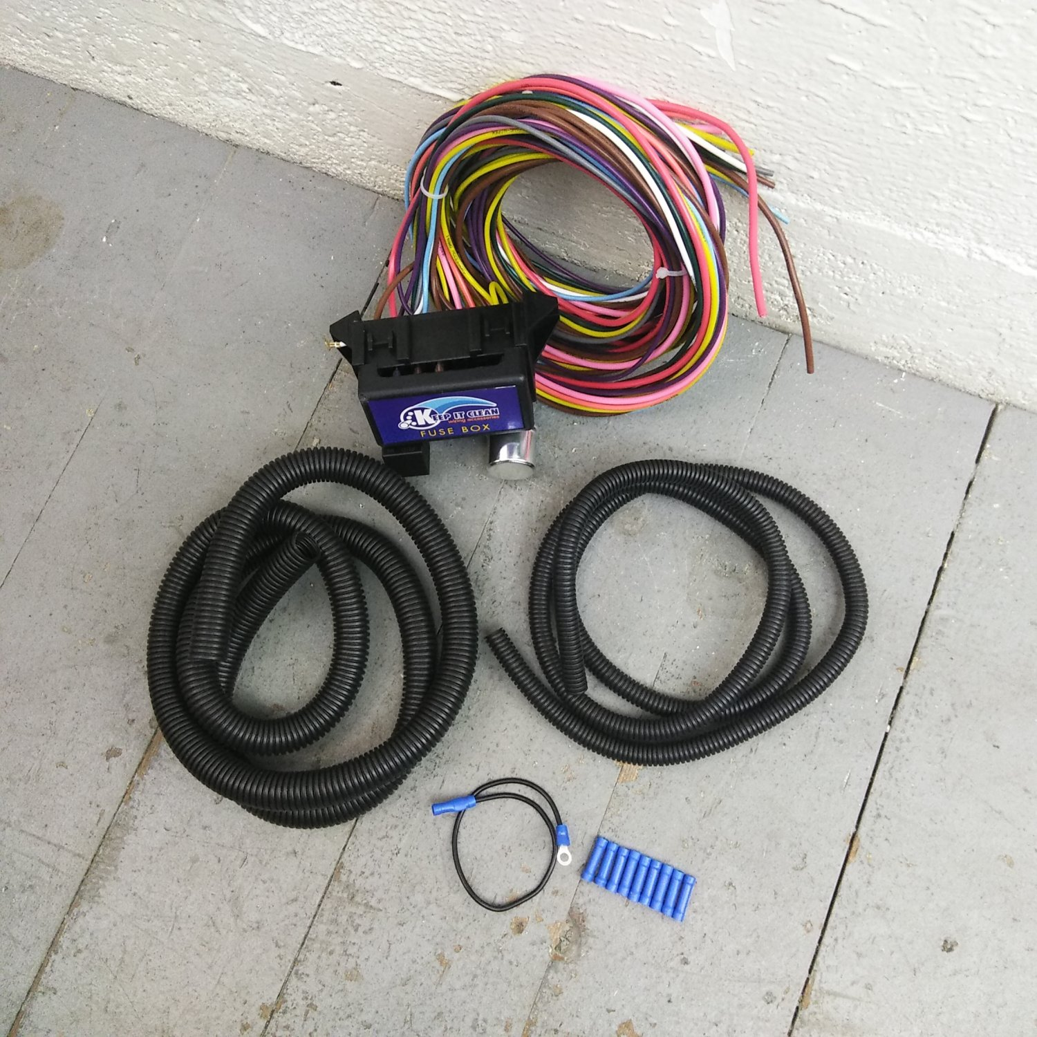 12v 18 Circuit 12 Fuse Universal Wiring Harness Kit 1937 dodge valiant  street. Bar_Product_Description_C