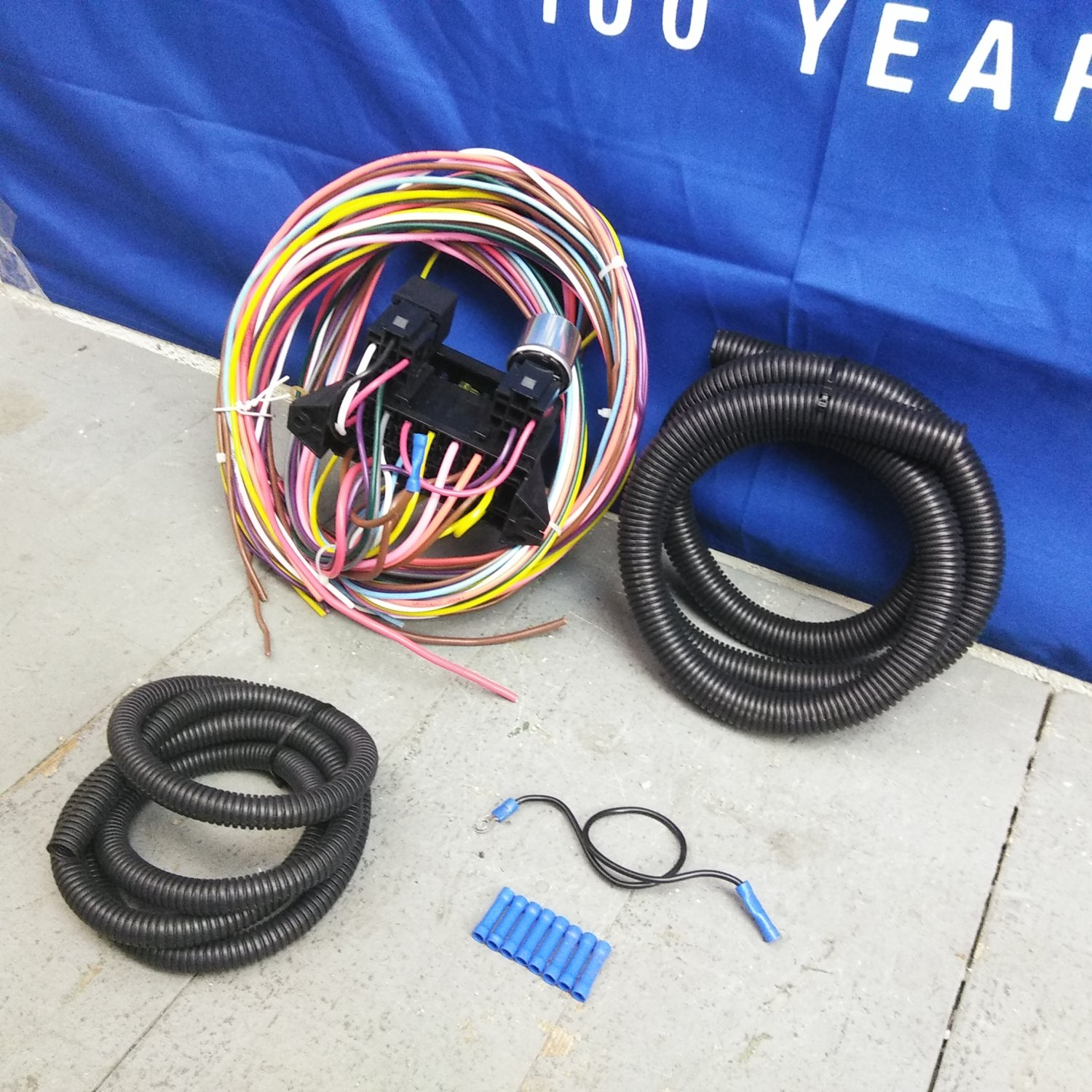 12v 18 Circuit 12 Fuse Universal Wiring Harness Kit 1957 Plymouth Knucklehead Bar Product Description C