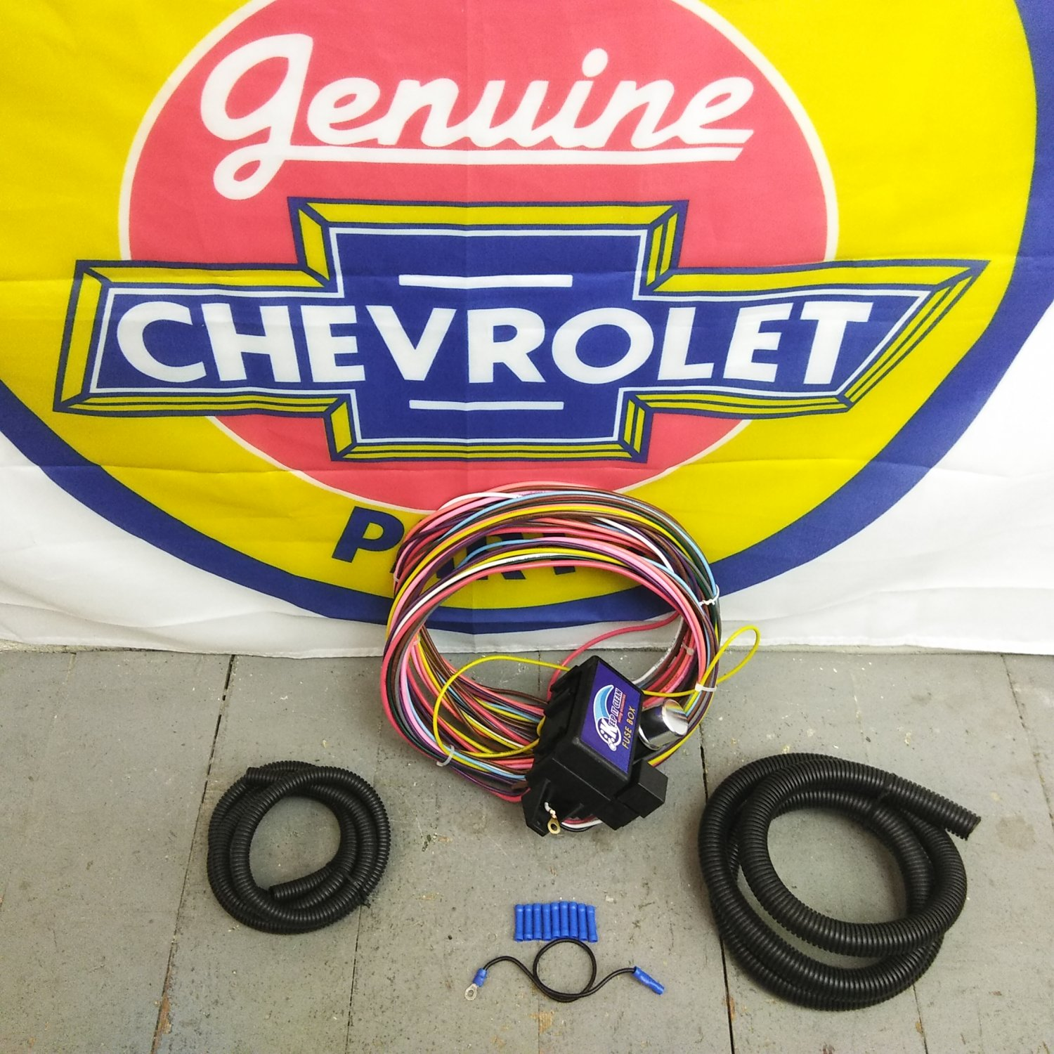 1960 - 1966 Chevy or GMC Truck Ultra Pro Wire Harness System 12 Fuse  support. Bar_Product_Description_C