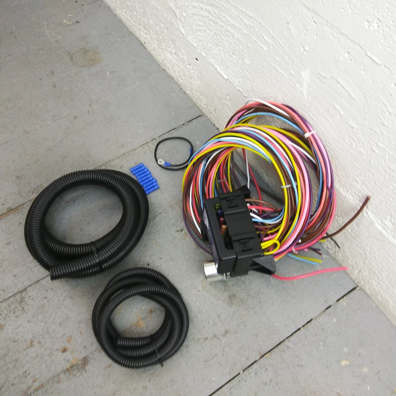 BMW 2002 Series 8 Circuit Wire Harness fits painless terminal complete  fuse. Bar_Product_Description_C