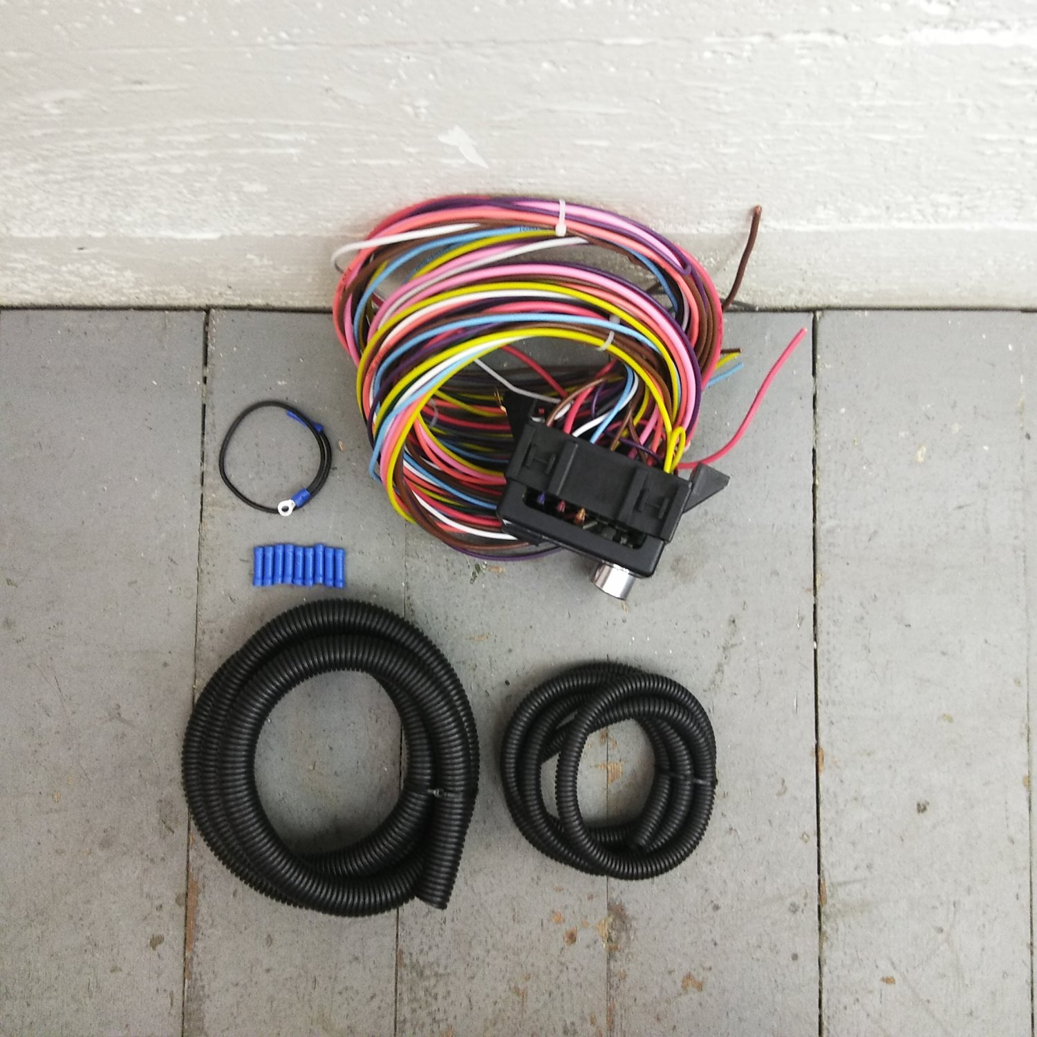 1934 - 1936 Humpmobile 8 Circuit Wire Harness fits painless fuse terminal  new. Bar_Product_Description_C