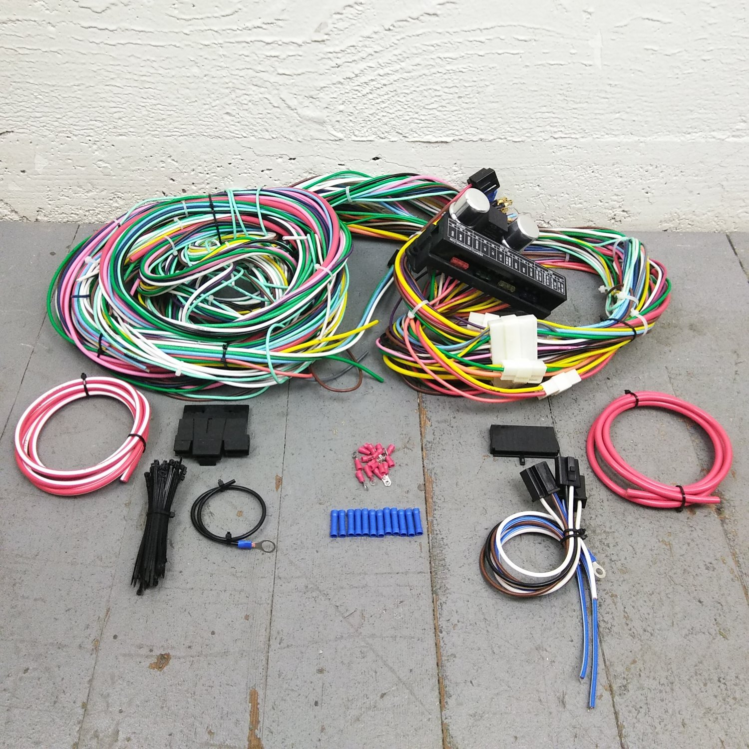 1971 - 1973 Ford Mustang And Cougar Wire Harness Upgrade Kit fits painless  new. Bar_Product_Description_C